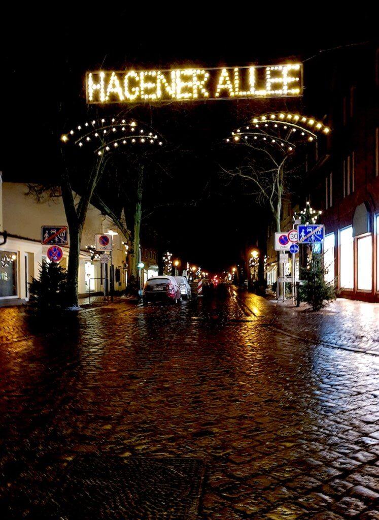 Die Hagener Allee in Ahrensburg im Advent – Foto: Nicole Stroschein