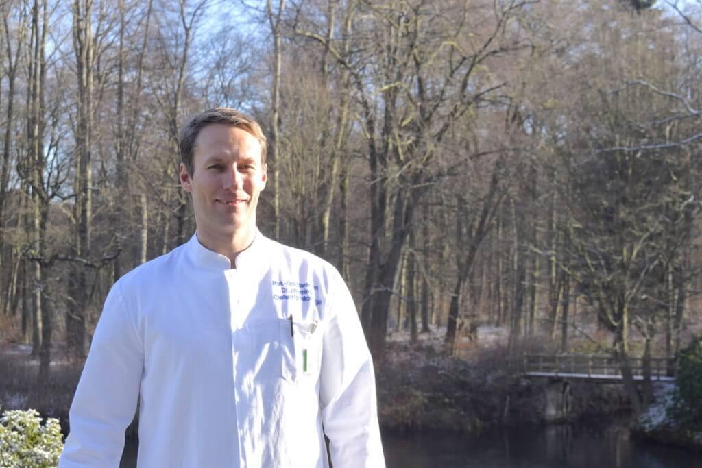 Dr. Jan Hennings, Leiter der Unfallambulanz der Park-Klinik – Foto: Nicole Stroschein