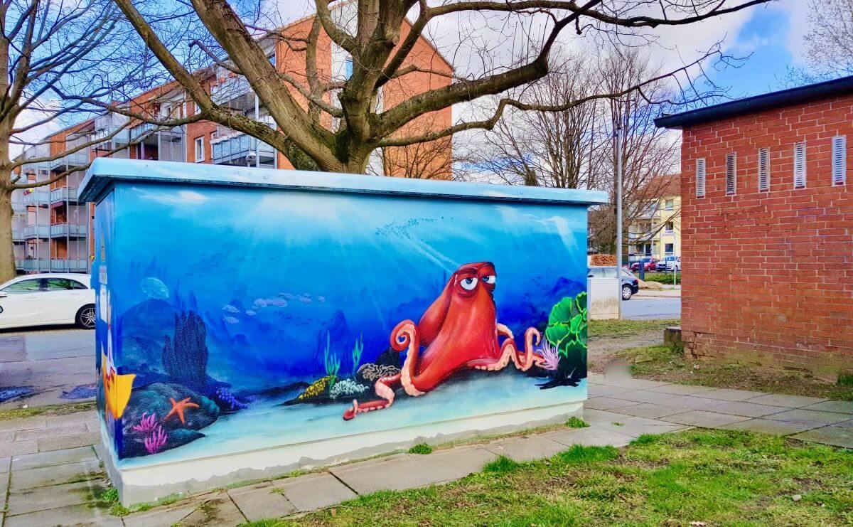 Das Unterwasser-Graffiti in der Gerhart-Hauptmann-Straße