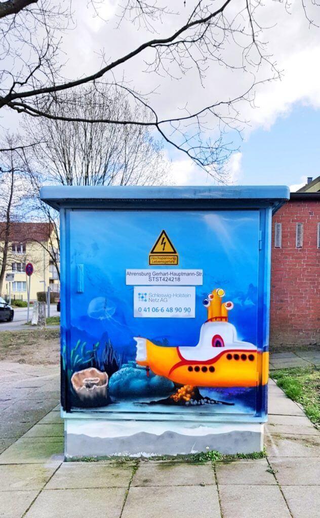 Die Unterwasserwelt auf dem Trafo-Häuschen in der Gerhart-Hauptmann-Straße – Foto: Nicole Stroschein