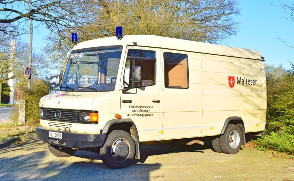 Betreuungs-Fahrzeug des Malteser Hilfsdienstes Ahrensburg – Foto: Nicole Stroschein
