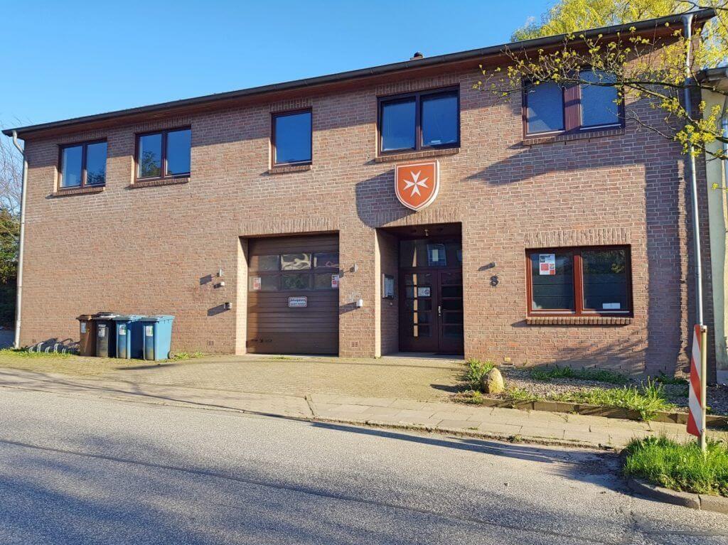 Der Sitz der Malteser in Ahrensburg am Weinberg – Foto: Nicole Stroschein