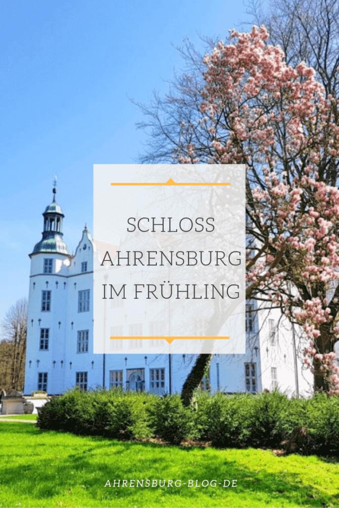 Schloss Ahrensburg im Frühling – Foto: Nicole Stroschein