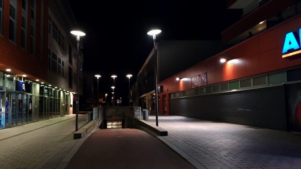 Blick zum Einkaufszentrum CCA und die Tiefgarage – Foto: Nicole Stroschein