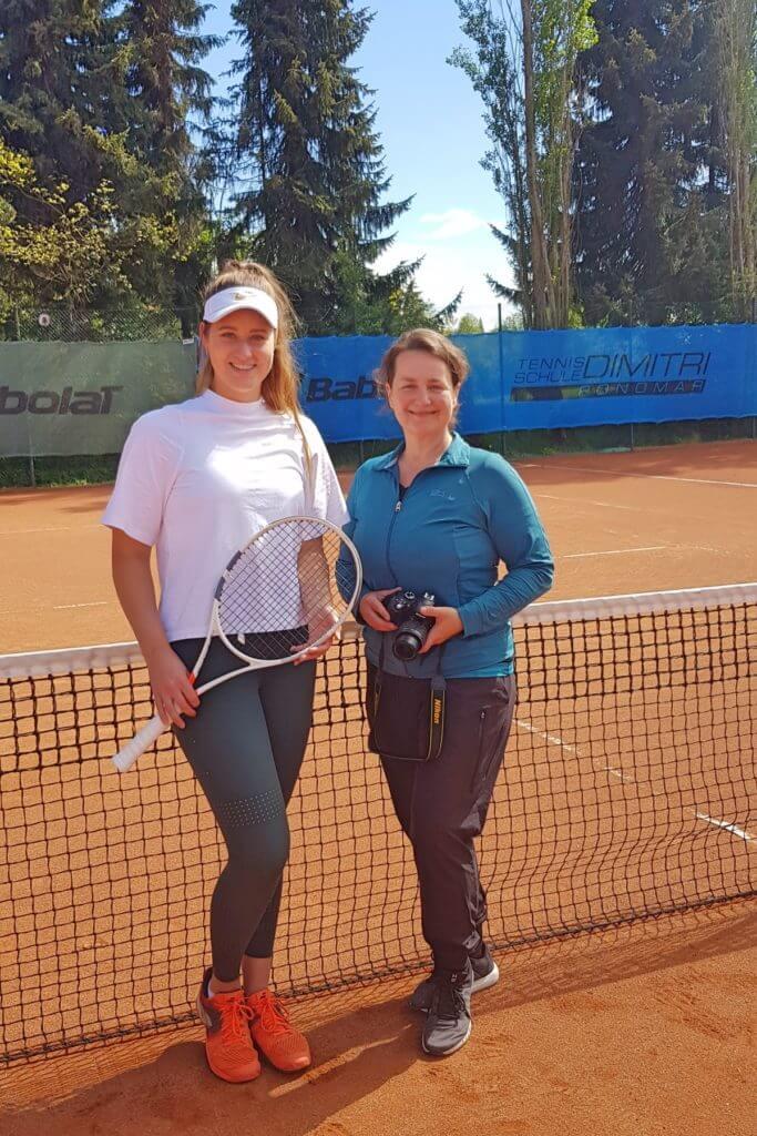 Beim Interview-Termin in Ahrensfelde: Lisa und Nicole – Foto: Dimitri Ponomar