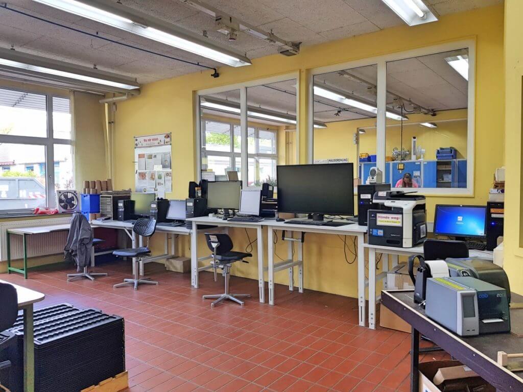 Die EDV-Gruppe der Stormarner Werkstätten in Ahrensburg – Foto: Nicole Stroschein