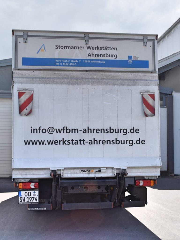Ein LKW der Stormarner Werkstätten – Foto: Nicole Stroschein