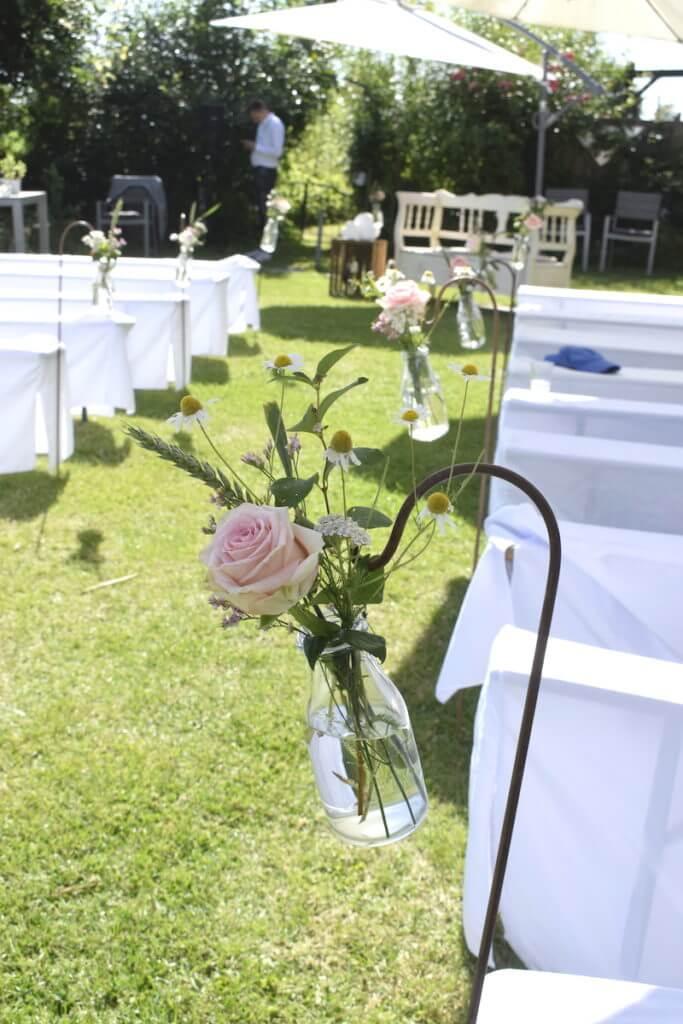 Hochzeitsdeko für die freie Trauung – Foto: Nicole Stroschein