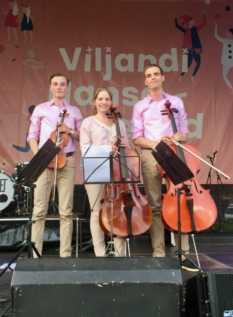 AllegroConTrio in Viljandi, von links: Johannes, Lena und Jacob