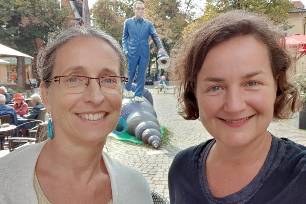 Birgit Hoffmann und Nicole vom Ahrensburg Blog