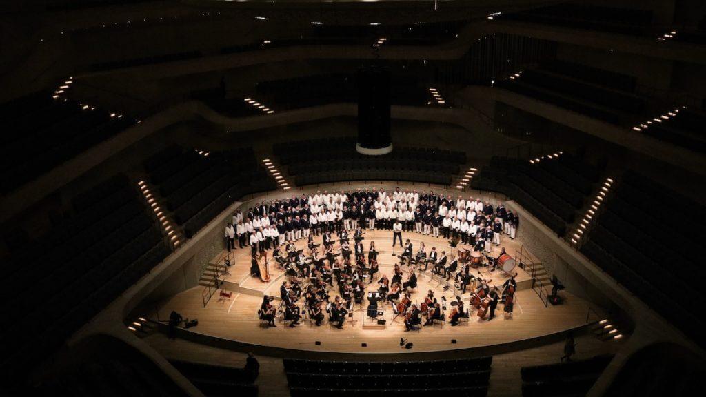 Das Jugend-Sinfonieorchester Jubiläumskonzert mit dem Seeman-Chor Hamburg in der Elbphilharmonie –Foto: PR