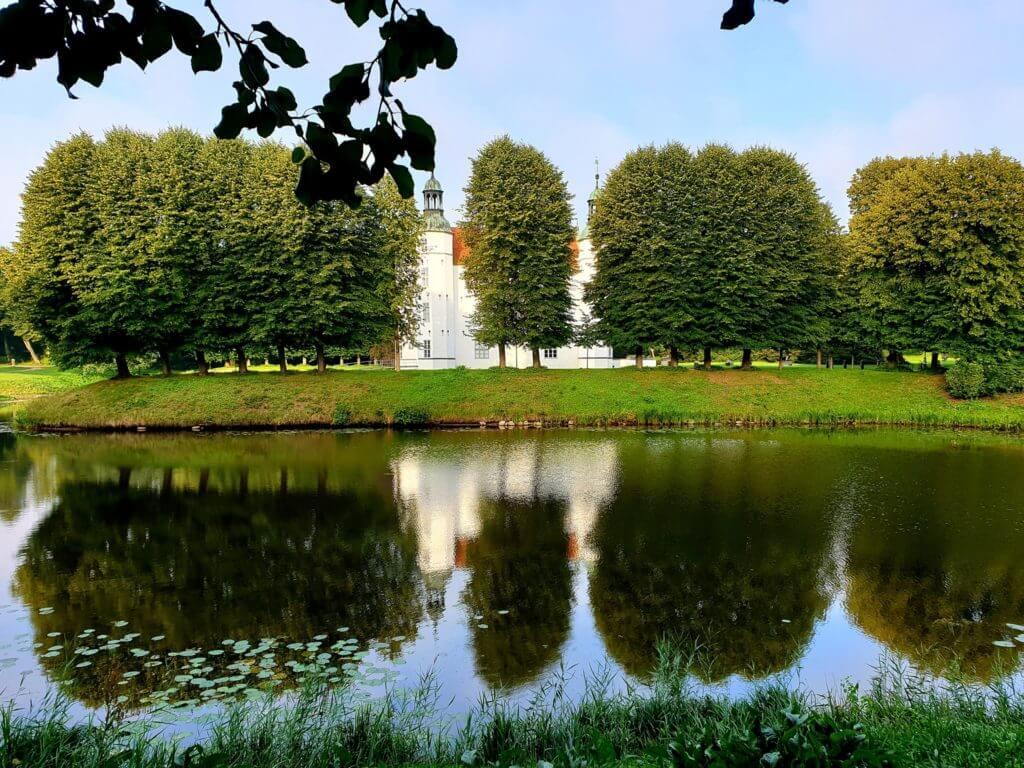 Schloss Ahrensburg im August –Foto: Nicole Stroschein