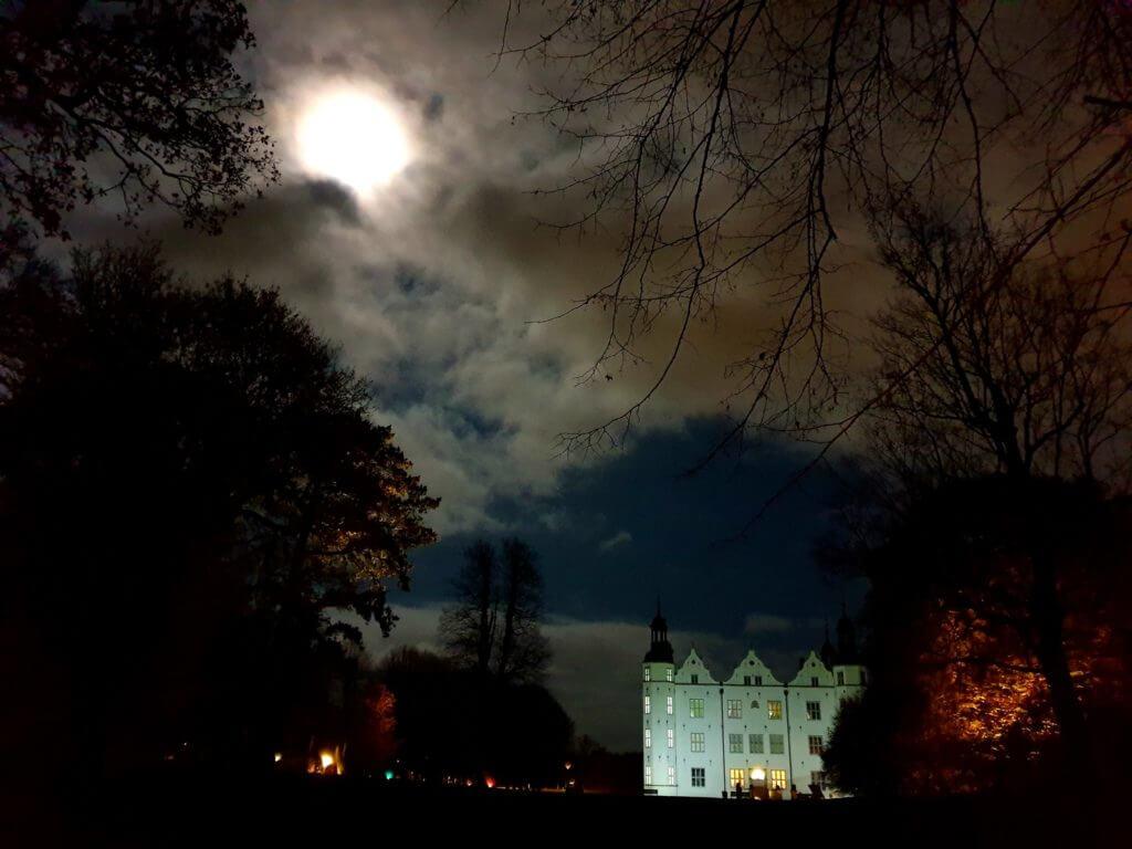 Schloss Ahrensburg im November –Foto: Nicole Stroschein
