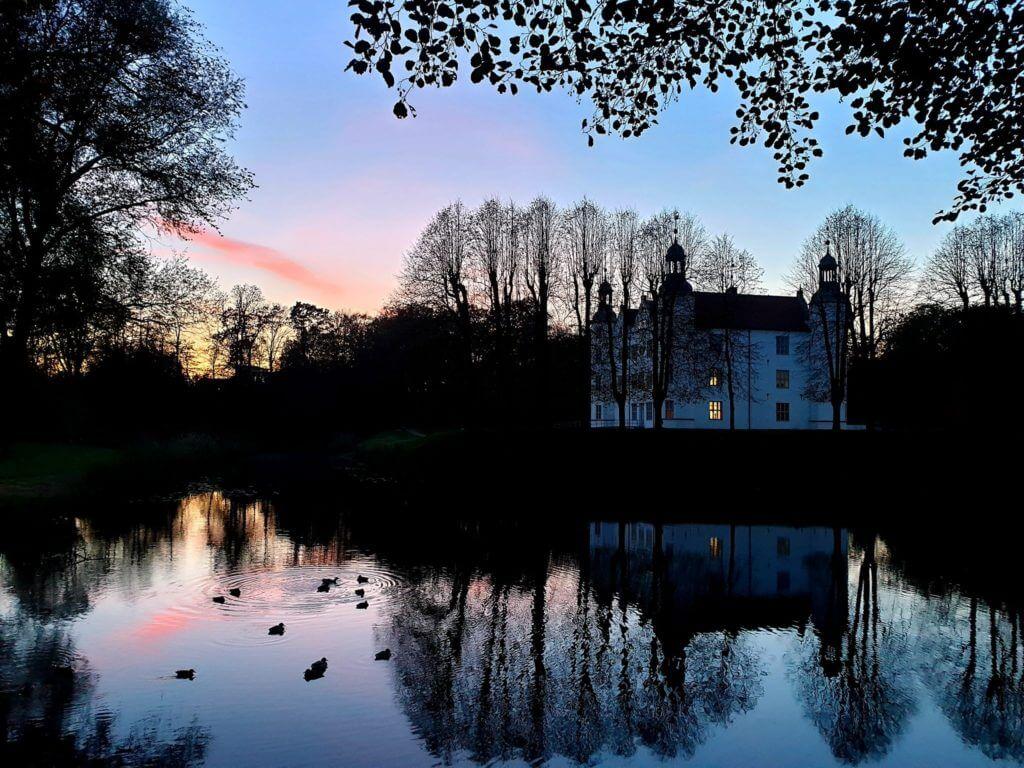 Schloss Ahrensburg im Oktober –Foto: Nicole Stroschein
