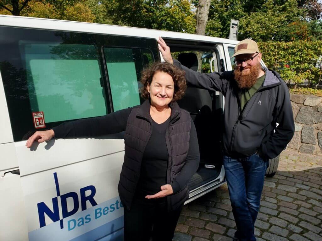 Nicole Schmidt vom Ahrensburg mit Carsten Prehn, NDR –Foto: Brit Hansen