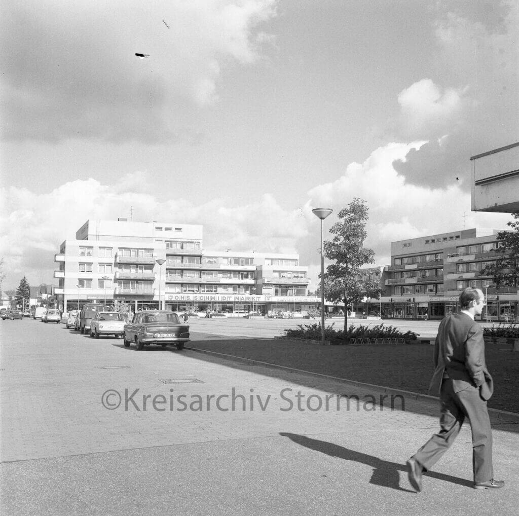 Rathausplatz Ahrensburg 1973 –Foto: Kreisarchiv Stormarn / Raimund Marfels