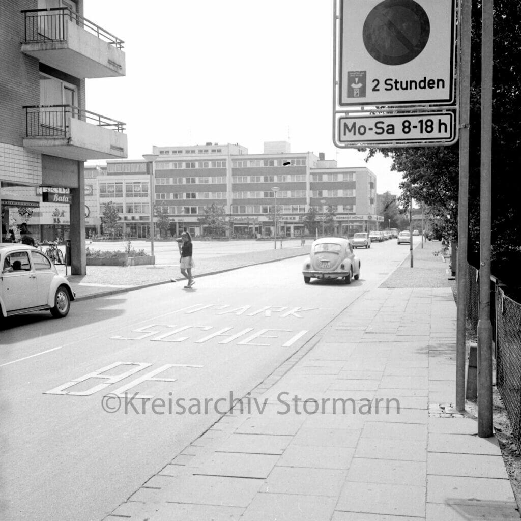 Rathausplatz Ahrensburg 1980 –Foto: Kreisarchiv Stormarn / Raimund Marfels