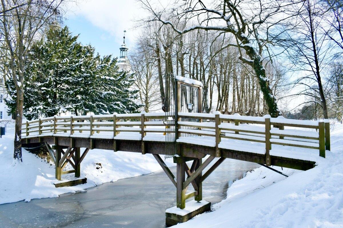 Schlossgraben Ahrensburg im Schnee – Foto: Nicole Schmidt
