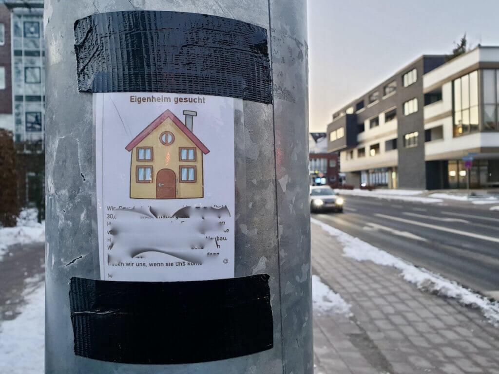 Aushang zur Wohnungssuche in Ahrensburg – Foto: Nicole Schmidt