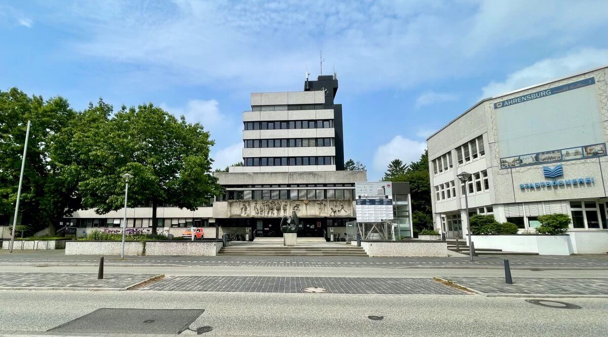 Der Rathausplatz im Wandel der Zeit