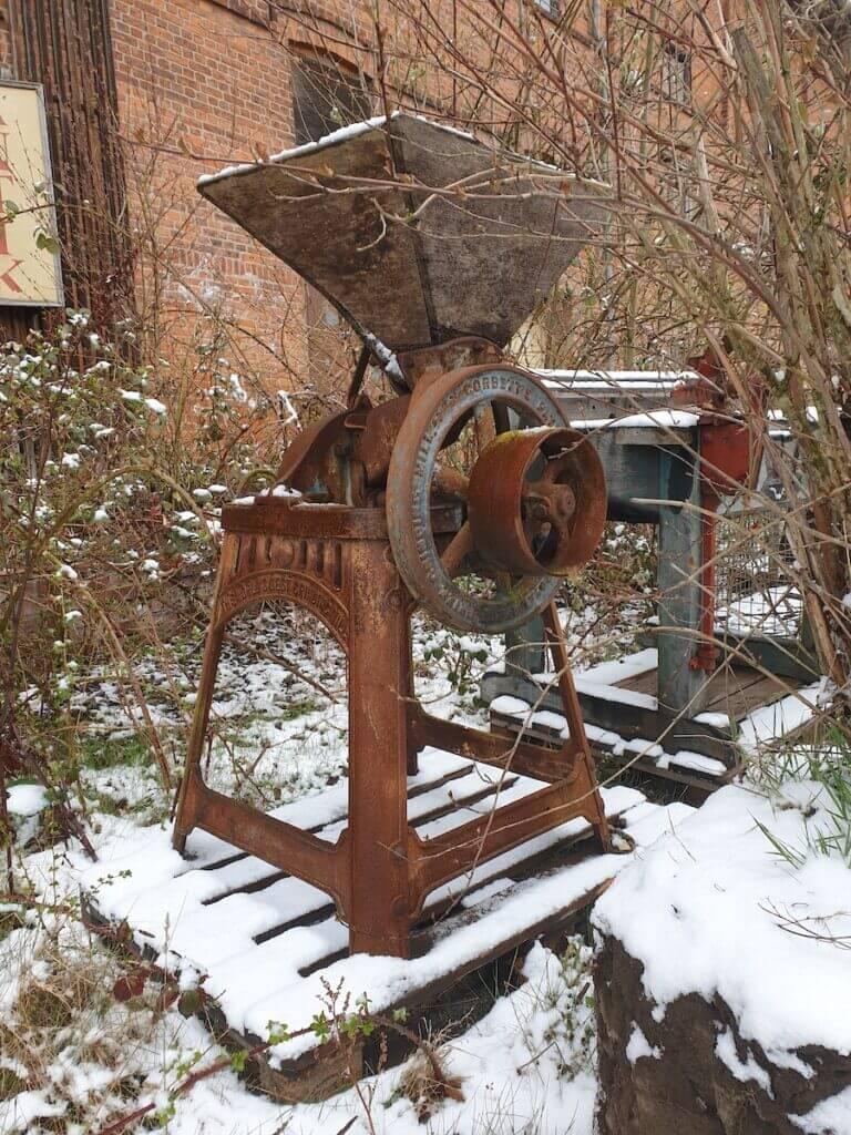 Eine alte Getreidemühle aus dem Speicher in Ahrensburg – Foto: Nicole Schmidt