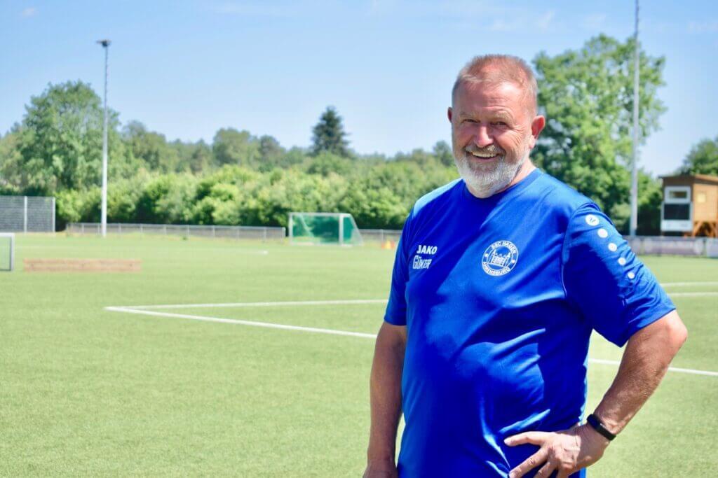 Günter Feigl beim Fußballcamp des SSC Hagen Ahrensburg – Foto: Nicole Schmidt