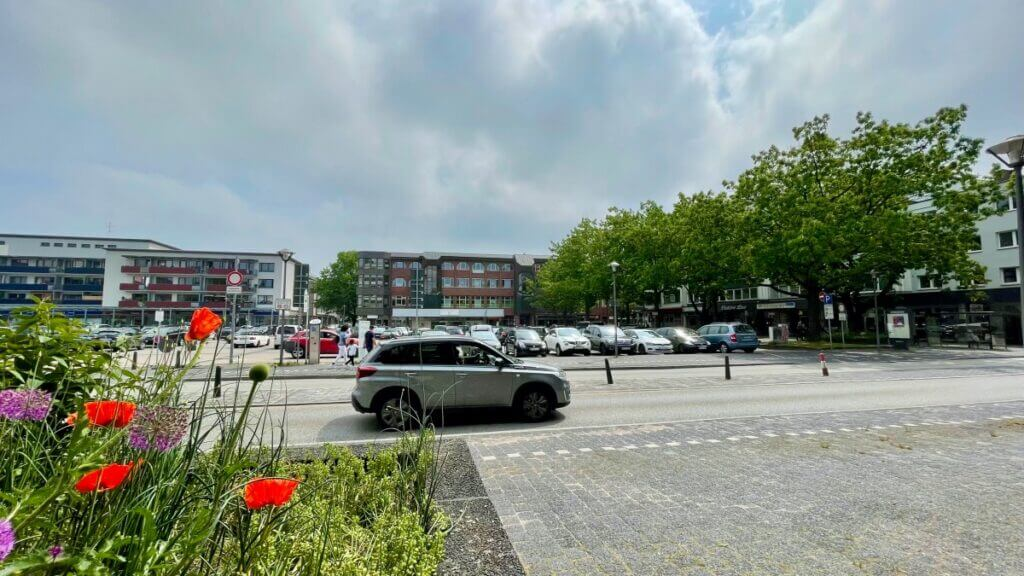 Der Rathausplatz in Ahrensburg im Juni 2021 –Foto: Nicole Schmidt